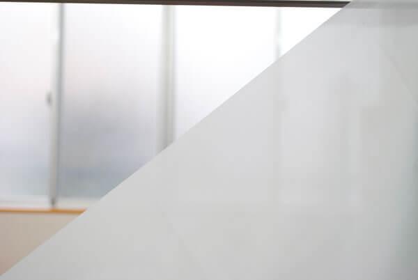 白色のポンジ